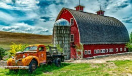 Palouse Knot Barn