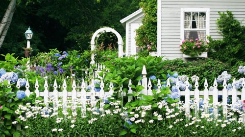Picket Fence Flowers Jigsaw Puzzle