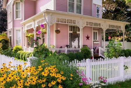 Pink Victorian House Jigsaw Puzzle