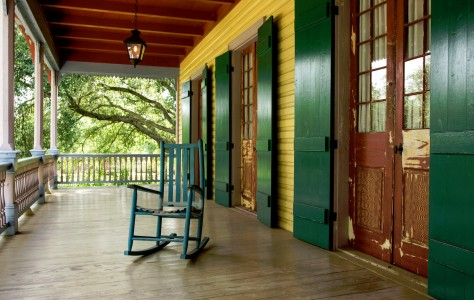 Plantation Porch Jigsaw Puzzle