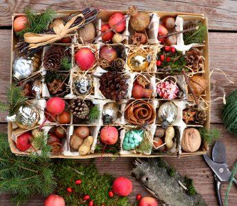 Retro Christmas Box Jigsaw Puzzle
