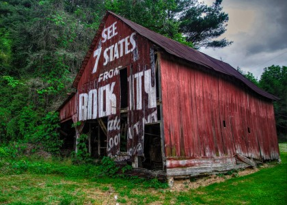 Rock City Barn Jigsaw Puzzle