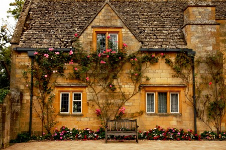 Rose Cottage Jigsaw Puzzle