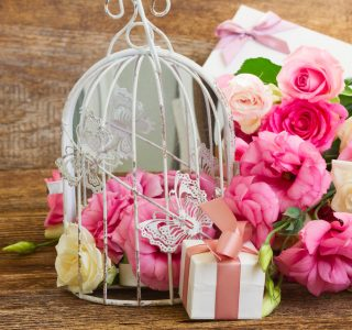 Roses and Things Jigsaw Puzzle