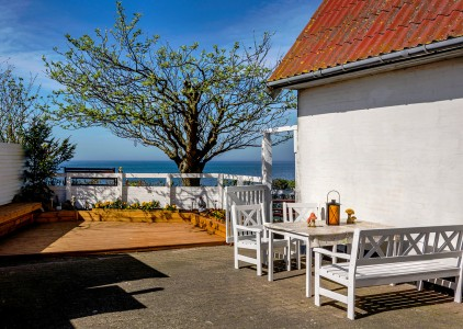 Seaside Courtyard Jigsaw Puzzle