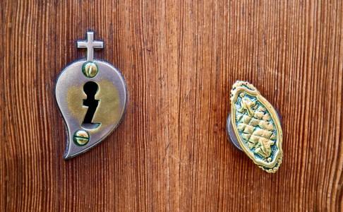 Secret Door Jigsaw Puzzle