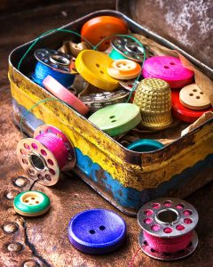 Sewing Tin Jigsaw Puzzle