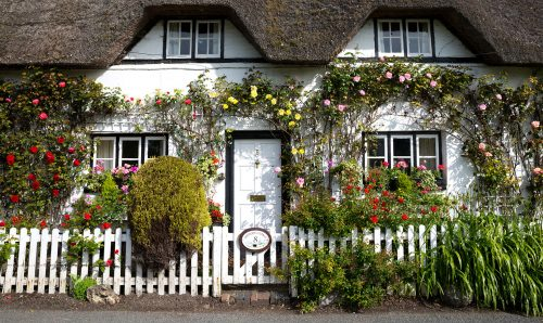 Shepherds' Cottage Jigsaw Puzzle