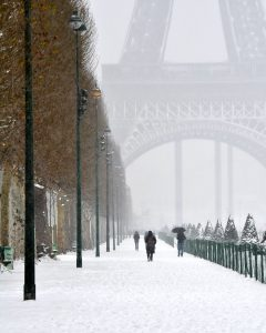 Snow in Paris Jigsaw Puzzle