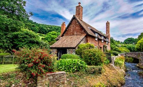 Somerset Cottage Jigsaw Puzzle