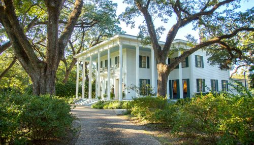 Southern Mansion Jigsaw Puzzle