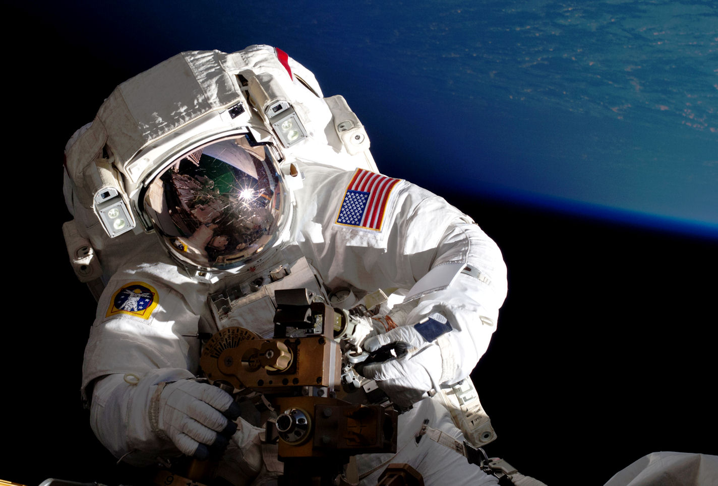 astronaut spacewalk for android - HD1424×965