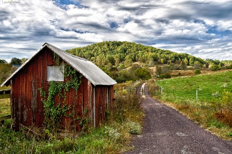 Sperryville Farm Jigsaw Puzzle