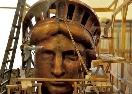 Statue Construction Jigsaw Puzzle