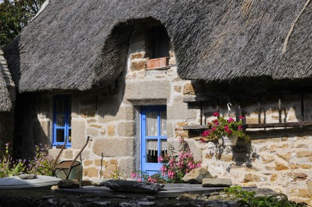 Stone Cottage Jigsaw Puzzle