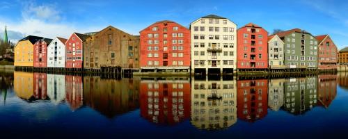 Trondheim Wharehouses Jigsaw Puzzle