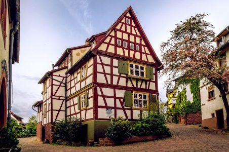 Tudor Building Jigsaw Puzzle