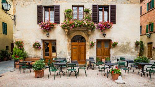 Tuscany Courtyard Jigsaw Puzzle