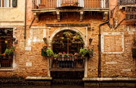 Venetian Restaurant Jigsaw Puzzle