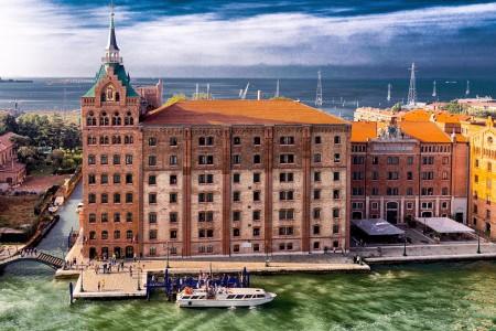 Venice Hilton Jigsaw Puzzle