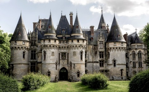 Vigny Castle Jigsaw Puzzle