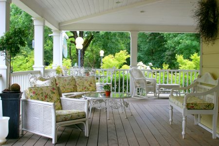 Wrap Around Porch Jigsaw Puzzle