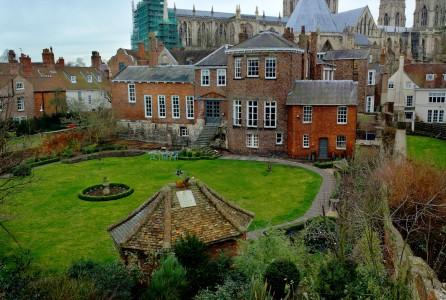 York Garden Jigsaw Puzzle