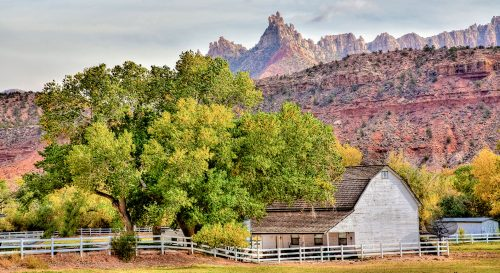 Zion Farmhouse Jigsaw Puzzle